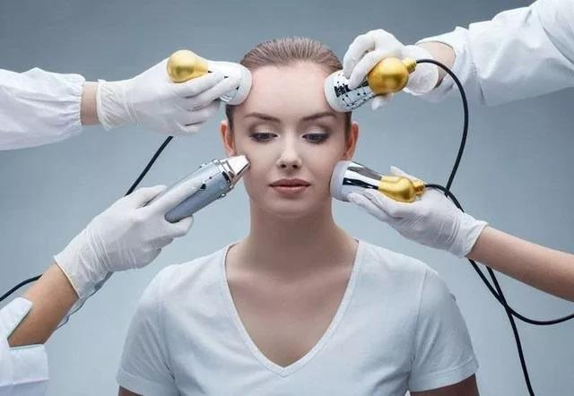 Blog 7 - High-Tech Beauty Devices to Try Now