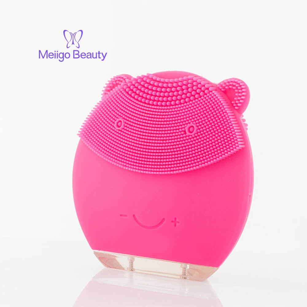 Meiigo beauty bear shape silicone face brush BR 004 10 - Silicone face cleanser and massager brush for skin cleaning and massaging BR-004