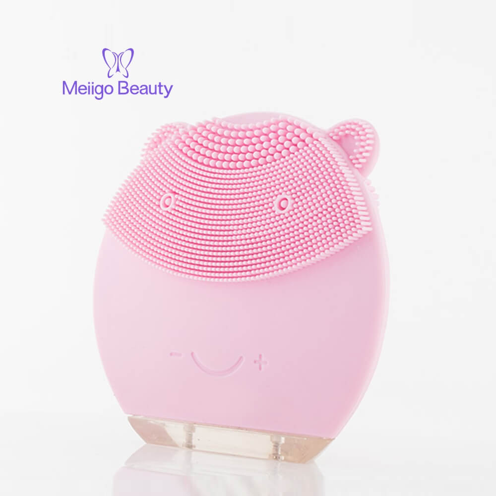 Meiigo beauty bear shape silicone face brush BR 004 6 - Silicone face cleanser and massager brush for skin cleaning and massaging BR-004