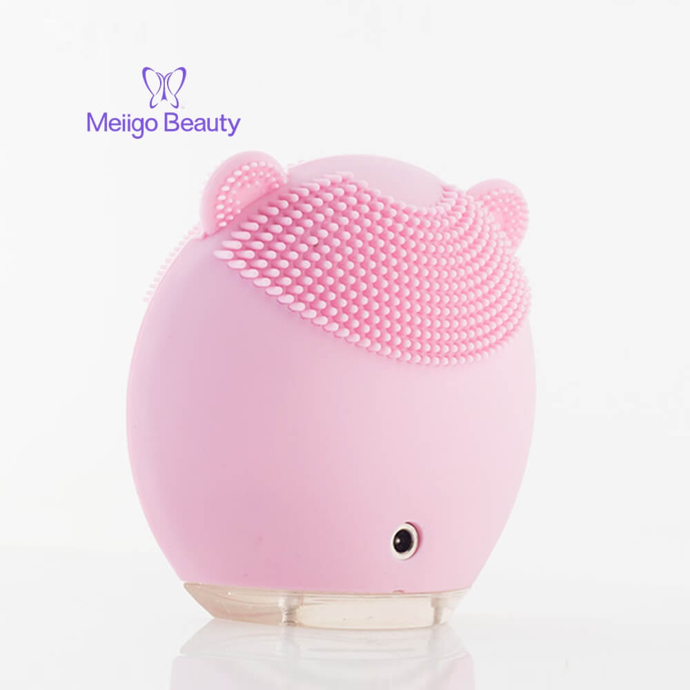 Meiigo beauty bear shape silicone face brush BR 004 9 - Silicone face cleanser and massager brush for skin cleaning and massaging BR-004