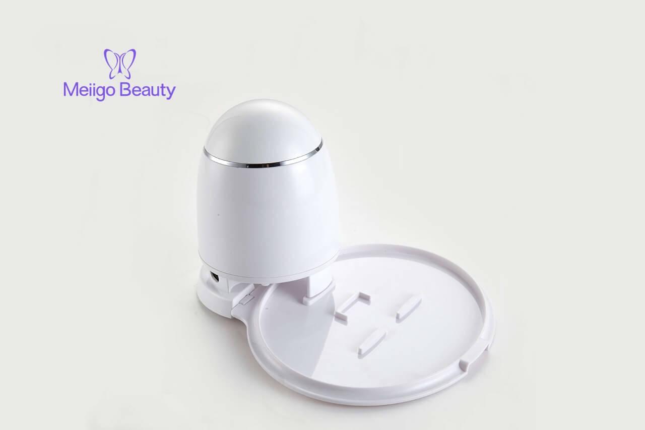 Meiigo beauty face mask machine in white FM002 2 - Fruit face mask maker with face steaming machine in white FM002
