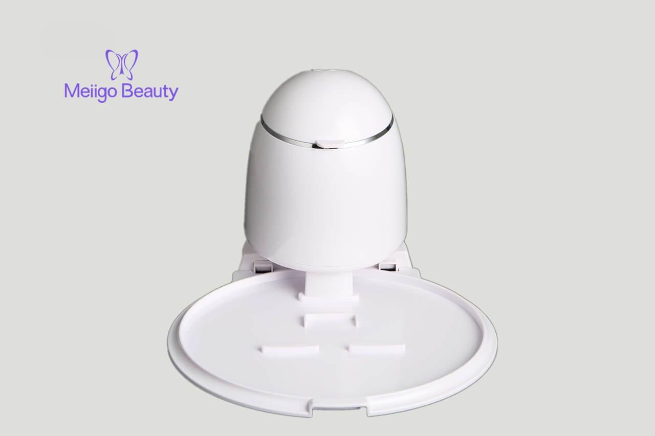 Meiigo beauty face mask machine in white FM002 4 - Fruit face mask maker with face steaming machine in white FM002
